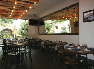 Astoria Restaurant 10